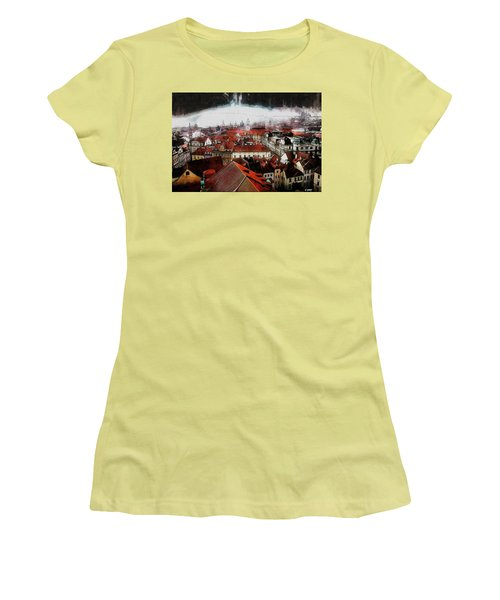 Prague Skyline Women's T-Shirt (Athletic Fit)