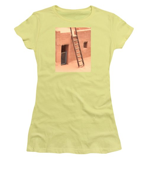 Pueblo Women's T-Shirt (Athletic Fit)