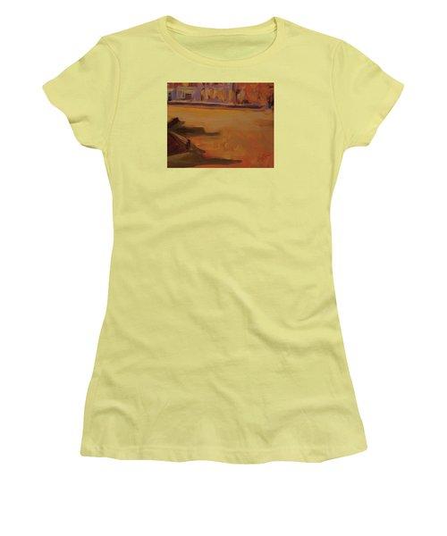 Queen Emma Square Detail Women's T-Shirt (Athletic Fit)