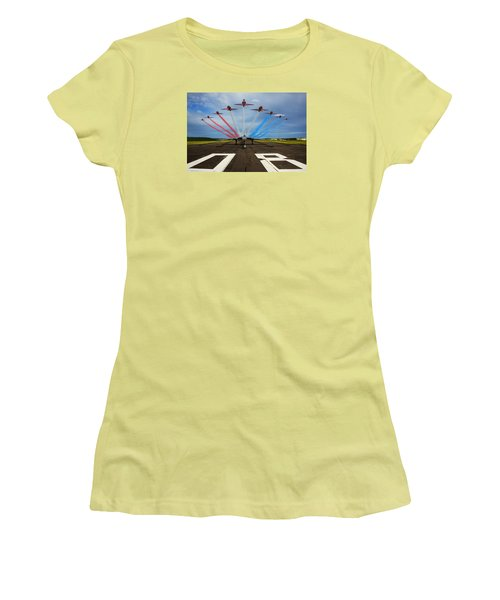 Red Arrows Tribute To Vulcan Xh558 Women's T-Shirt (Junior Cut) by Ken Brannen
