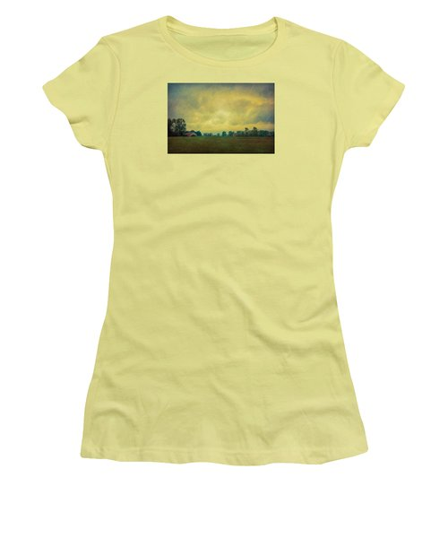 Red Barn Under Stormy Skies Women's T-Shirt (Athletic Fit)