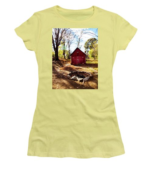 Red Shed Women's T-Shirt (Athletic Fit)