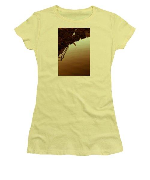 Elegant Bird Women's T-Shirt (Athletic Fit)