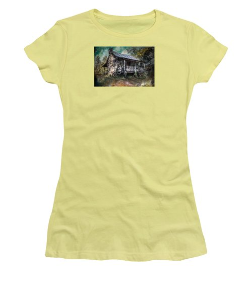 Relic Women's T-Shirt (Athletic Fit)