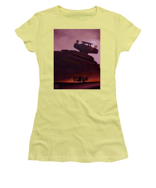 Rey Looks On Women's T-Shirt (Athletic Fit)