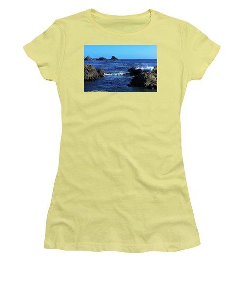 Roll Tide Roll Women's T-Shirt (Athletic Fit)