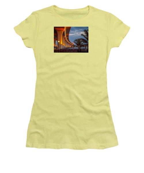 Roosevelt At First Light Women's T-Shirt (Junior Cut) by Tom Claud