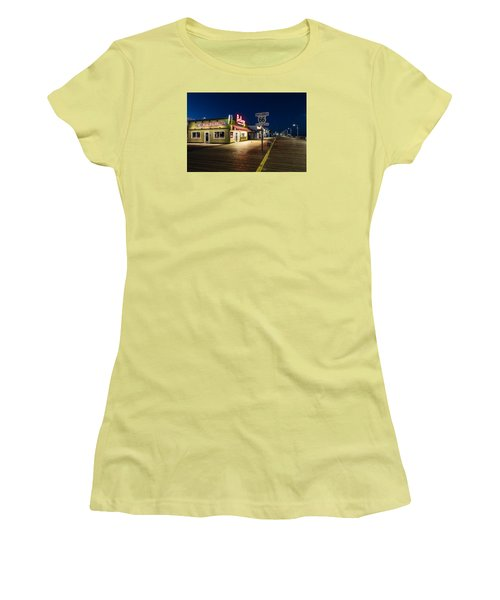 Route 66 Pier Burger Women's T-Shirt (Athletic Fit)