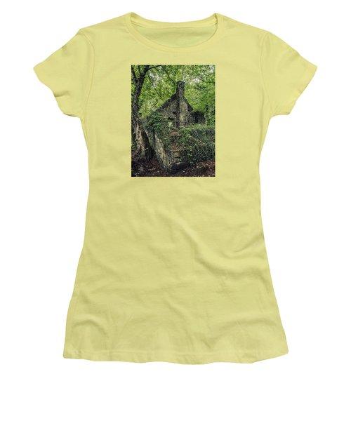 Run Down Mill Women's T-Shirt (Athletic Fit)