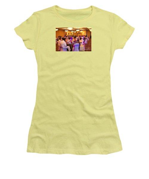 Sanderson - 4555 Women's T-Shirt (Athletic Fit)