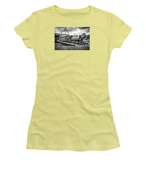 Savannah Central Steam Engine On Turn Table Women's T-Shirt (Junior Cut) by Scott Hansen