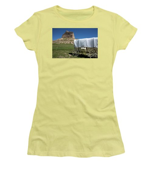 Scotts Bluff National Monument Nebraska Women's T-Shirt (Athletic Fit)
