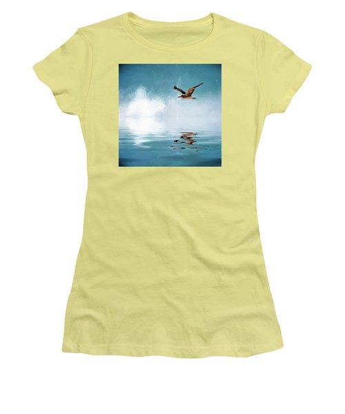 Seagull In Flight Women's T-Shirt (Junior Cut) by Cyndy Doty