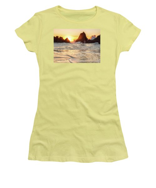 Seal Rock  Women's T-Shirt (Athletic Fit)
