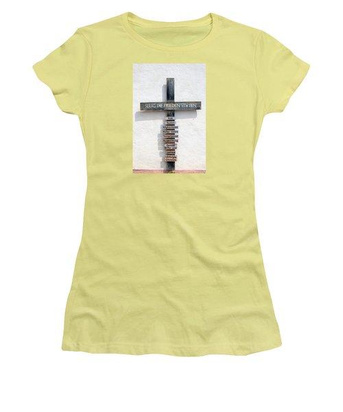 Selig, Die Frieden Stiften Women's T-Shirt (Athletic Fit)