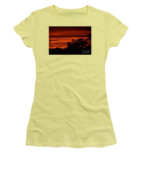 September Kansas Sunset Women's T-Shirt (Athletic Fit)