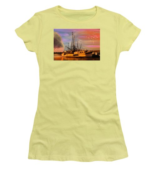 Shrimpers At Dock Women's T-Shirt (Athletic Fit)