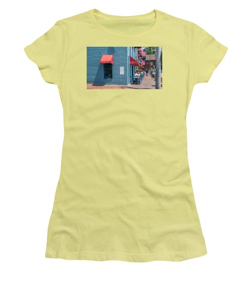 Women's T-Shirt (Athletic Fit) featuring the photograph Sidewalk Cafe Annapolis by Charles Kraus