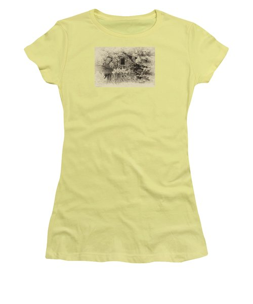 Women's T-Shirt (Junior Cut) featuring the photograph Single View by Tamera James
