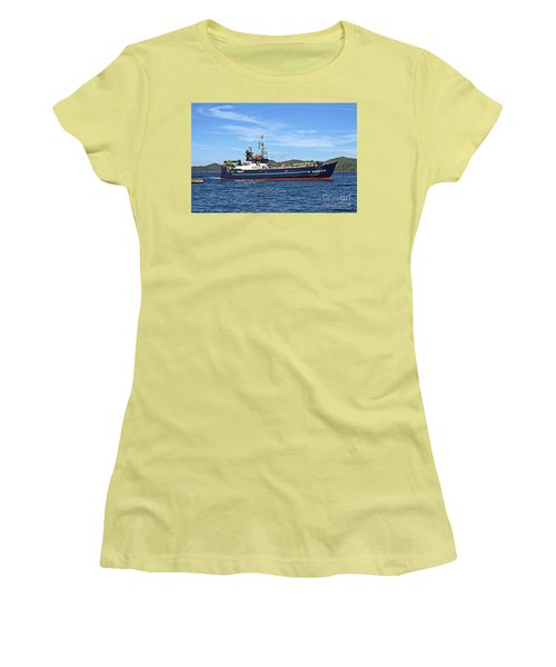 Skipper Kris At The Wheel Women's T-Shirt (Athletic Fit)