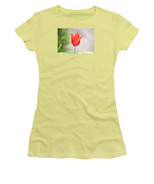 Solo Tulip Women's T-Shirt (Athletic Fit)
