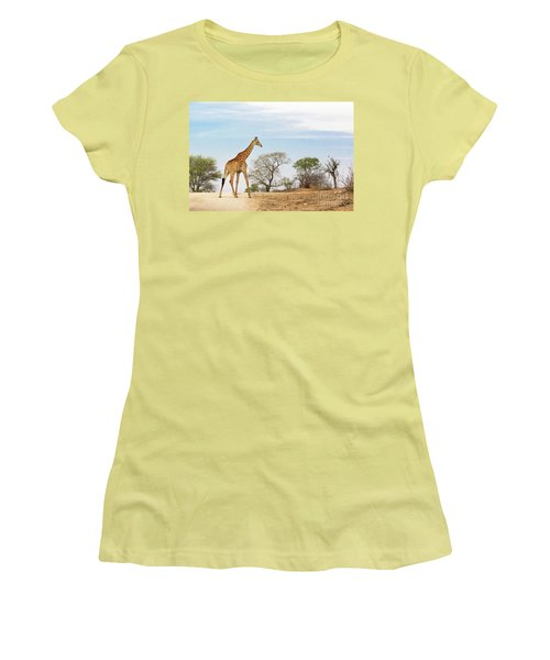 South African Giraffe Women's T-Shirt (Athletic Fit)