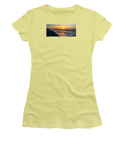 South Carolina Sunrise Women's T-Shirt (Athletic Fit)