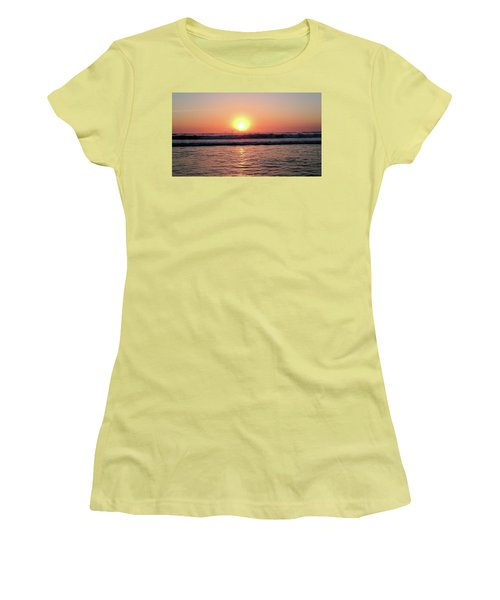 Splashing Women's T-Shirt (Junior Cut) by Beto Machado