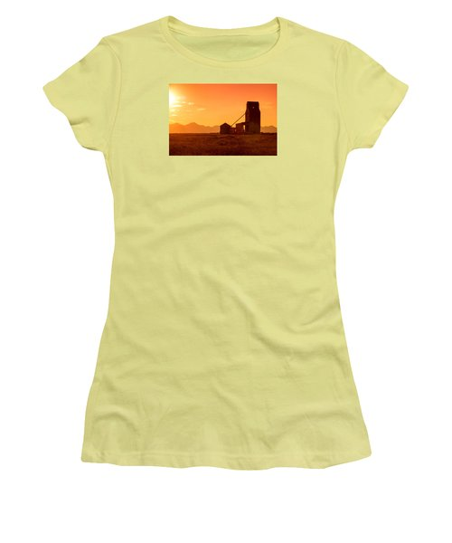 Stanford Sunset Women's T-Shirt (Athletic Fit)