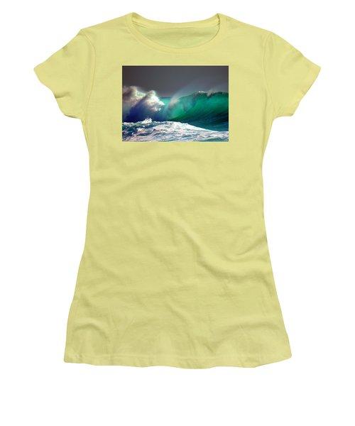 Storm Wave Women's T-Shirt (Athletic Fit)