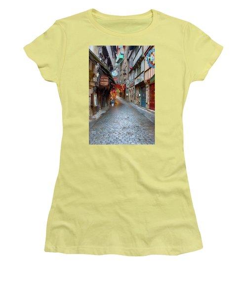 Street Le Mont Saint Michel Women's T-Shirt (Junior Cut) by Hugh Smith