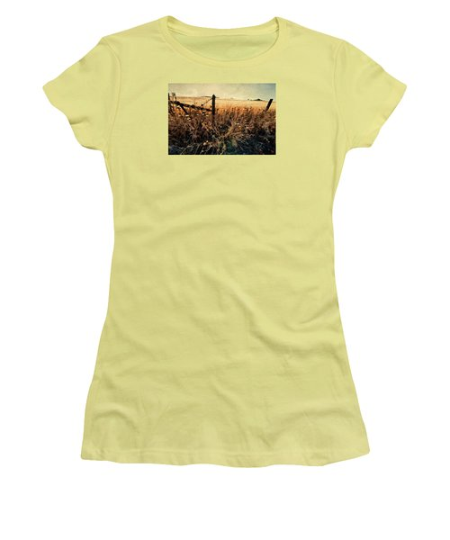 Women's T-Shirt (Junior Cut) featuring the photograph Summertime Country Fence by Steve Siri