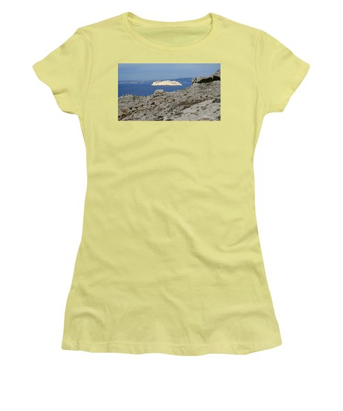Sun Kissed Island Women's T-Shirt (Athletic Fit)