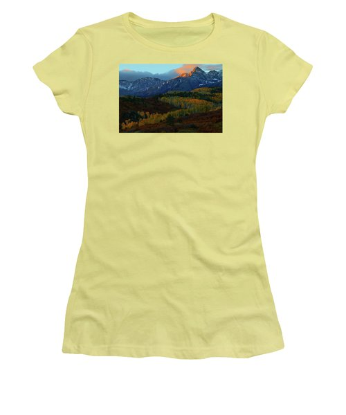 Sunrise At Dallas Divide During Autumn Women's T-Shirt (Athletic Fit)