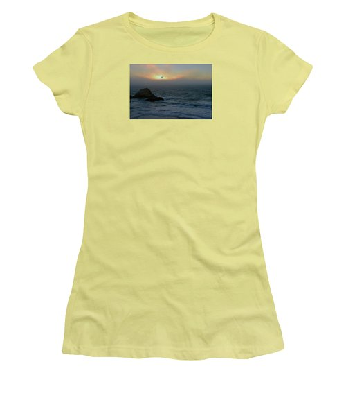 Sunset With The Bird Women's T-Shirt (Athletic Fit)