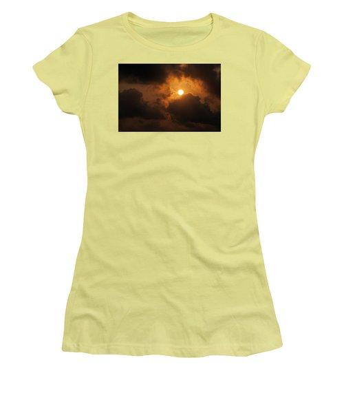 Women's T-Shirt (Junior Cut) featuring the photograph Sunset At Aruba by Allen Carroll
