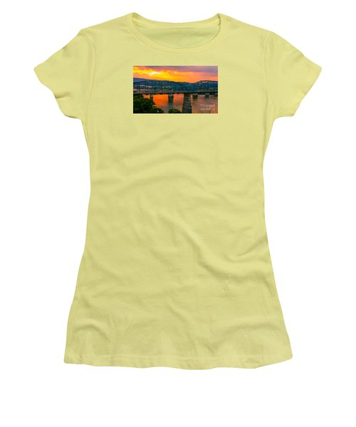 Women's T-Shirt (Junior Cut) featuring the photograph Sunset In Chattanooga by Geraldine DeBoer