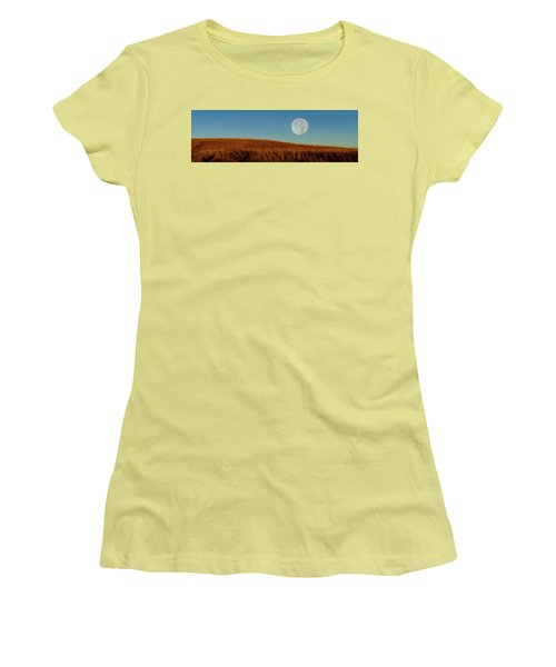 Super Moon Over The Prairie Women's T-Shirt (Athletic Fit)