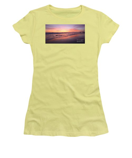 Surfer Afterglow Women's T-Shirt (Athletic Fit)