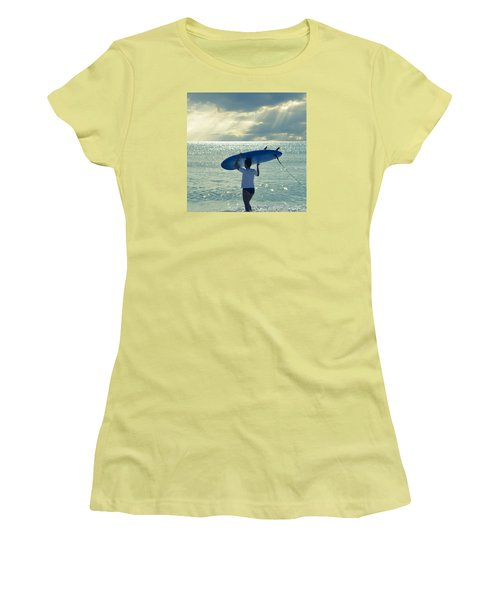 Surfer Girl Square Women's T-Shirt (Athletic Fit)