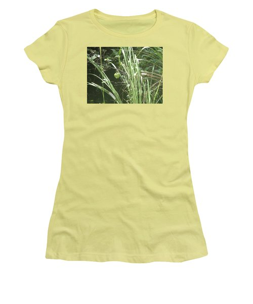 Swamp Apple Women's T-Shirt (Athletic Fit)