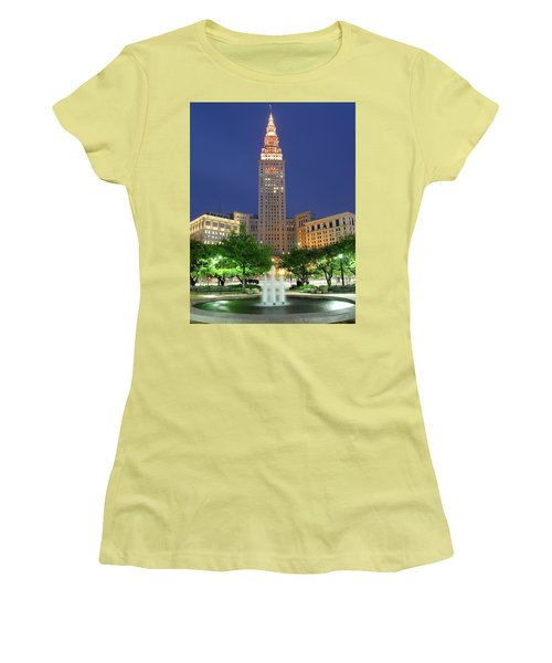 Terminal Tower Women's T-Shirt (Athletic Fit)