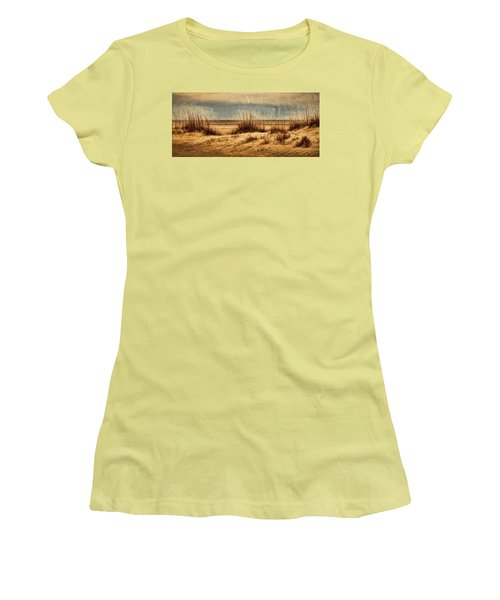 The Beach Women's T-Shirt (Athletic Fit)
