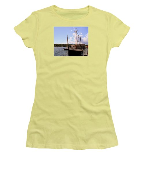The Florence Women's T-Shirt (Athletic Fit)