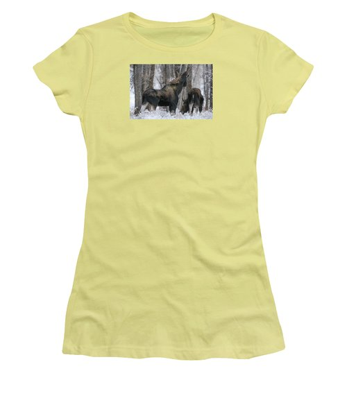 Women's T-Shirt (Junior Cut) featuring the photograph The Rut by Gary Hall
