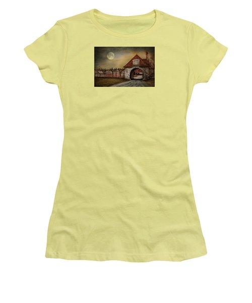 Women's T-Shirt (Junior Cut) featuring the photograph The Watcher by Robin-Lee Vieira