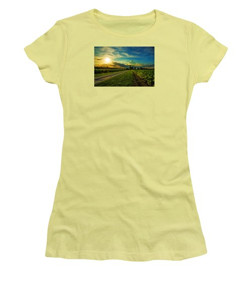 Tobacco Row Women's T-Shirt (Athletic Fit)