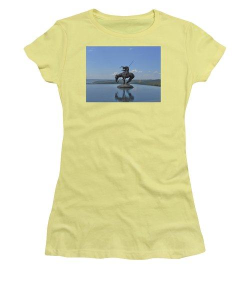 Top Of The Rock Infinity Pool Women's T-Shirt (Athletic Fit)