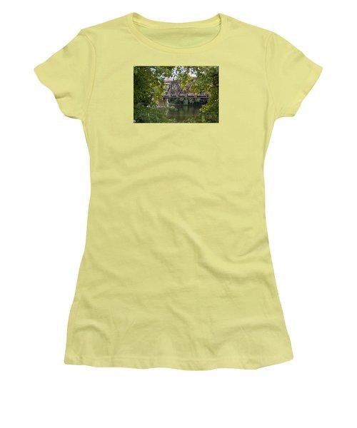 Train Trestle Women's T-Shirt (Athletic Fit)