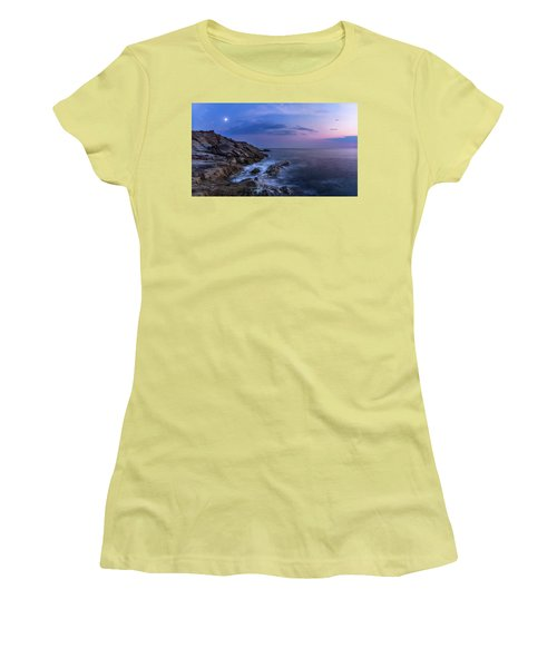 Twilight Sea Women's T-Shirt (Athletic Fit)